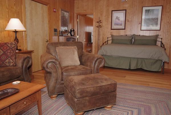lodging gunroom
